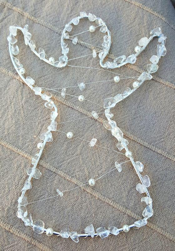 Drátěný anděl s křišťálem - stříbrná barva Kateřina Vlasáková